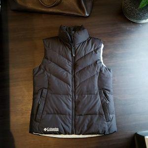 Columbia down vest (Small)